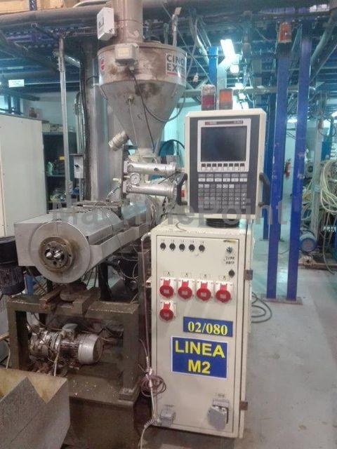 Devam et Twin-screw extruder for PVC CINCINNATI EXTRUSION CMT 58-P