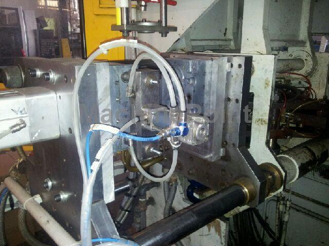 Devam et Extrusion Blow Moulding machines up to 10L FISCHER FHB 106-D