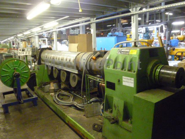 Idź do Single-screw extruder for PE/PP KUHNE 150-24D